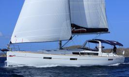 Moorings 45.3 starboard tack