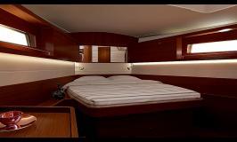 Moorings 45.3 forward cabin